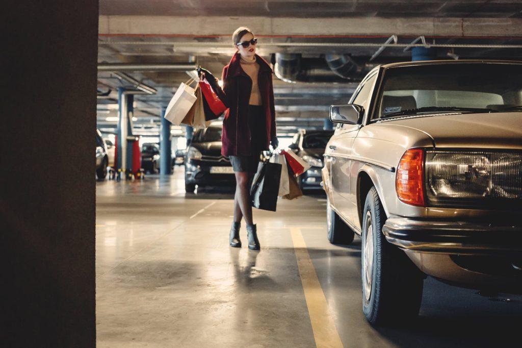 woman-parking